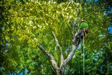 tightening the climbing rope